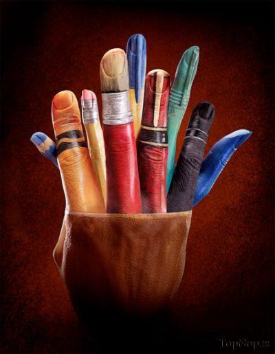 نقاشی های زیبا بر روی دست
