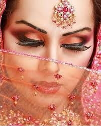 مدل ارایش هندی زیبا