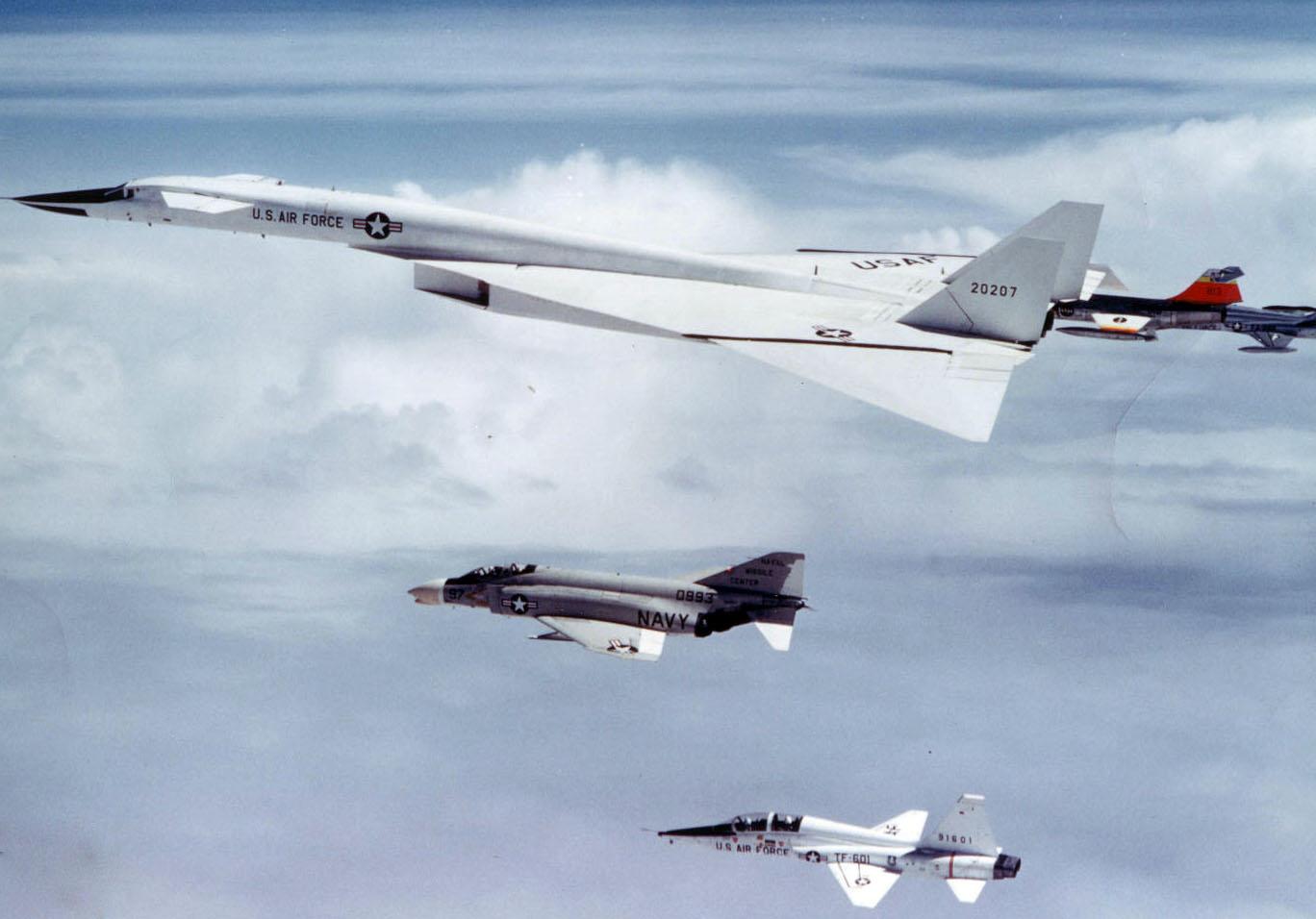 ایکسبی-۷۰ (XB-70 )