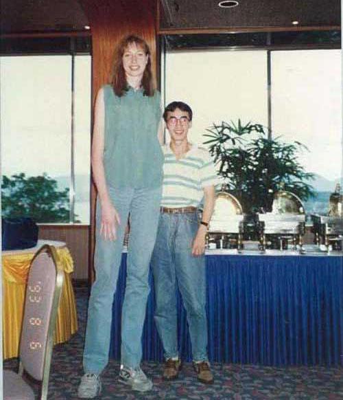 قدبلندترین دختران جهان
