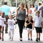 عکس خاص از انجلینا جولی و فرزندانش