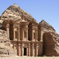 شهر باستانی پترا حجاری شده در دل کوه
