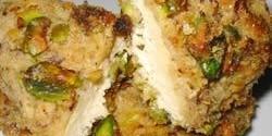 طرز تهیه ی پیراشکی مرغ با پسته
