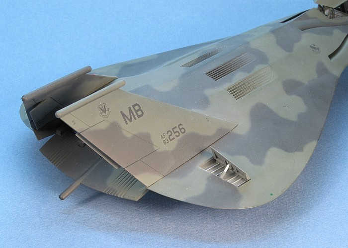 معرفی و عکس از جنگنده مرموز امریکای اف 19 (f19)