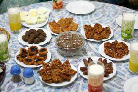 چیدمان سفره ی افطار ماه رمضان 96
