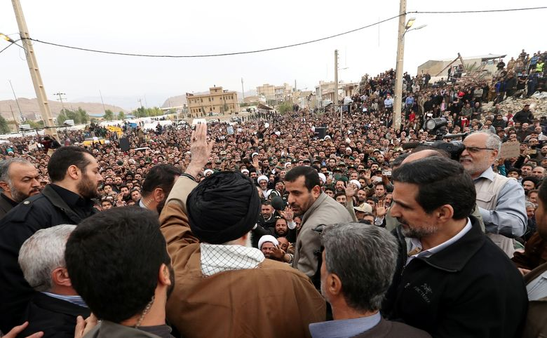 رهبر انقلاب در مناطق زلزله زده
