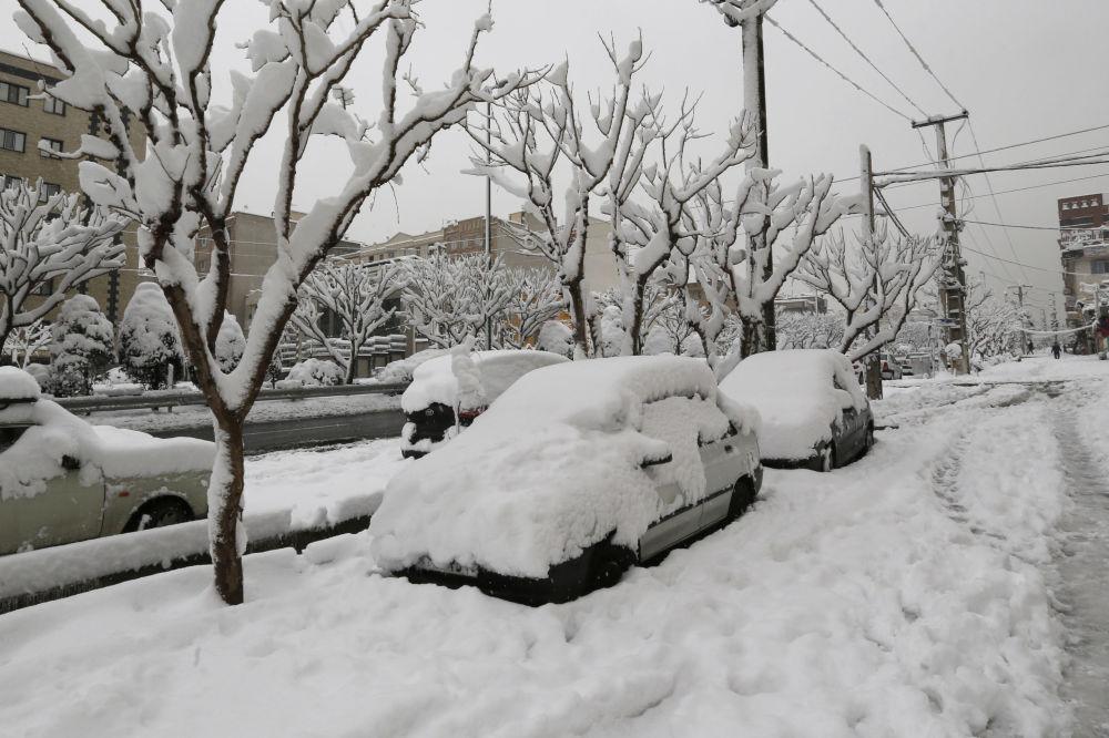 عکس های یک روز برفیعکس های یک روز برفی زمستان 97 زیبا