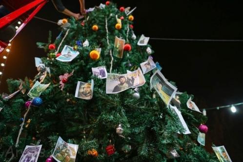 تزیین درخت کریسمس