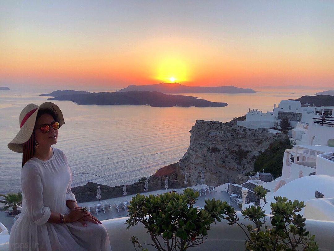 عکس زیبای الناز شاکردوست در جزیره ی سانتورینی یونان