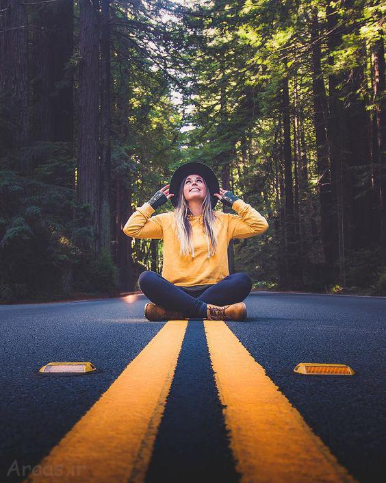 ژست عکس در جاده