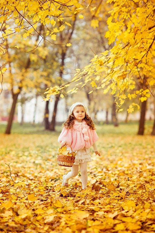 ژست عکس دختر بچه