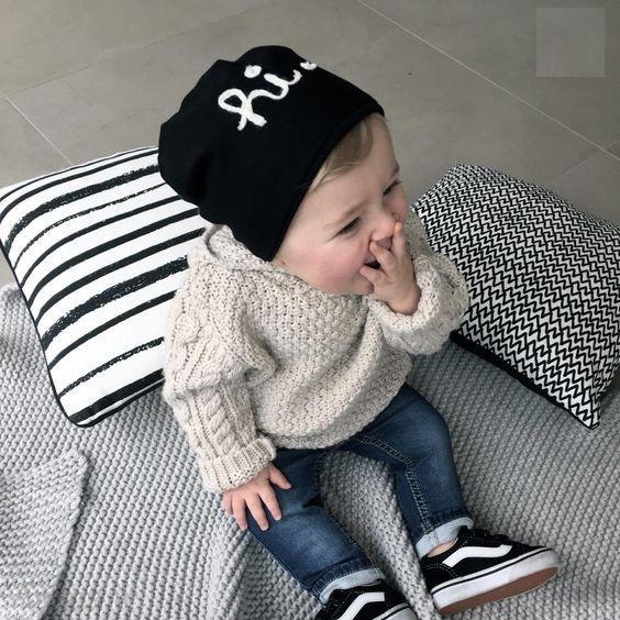 کلاه بافتنی بچگانه